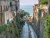 die Strasse hinauf nach Sorrento
